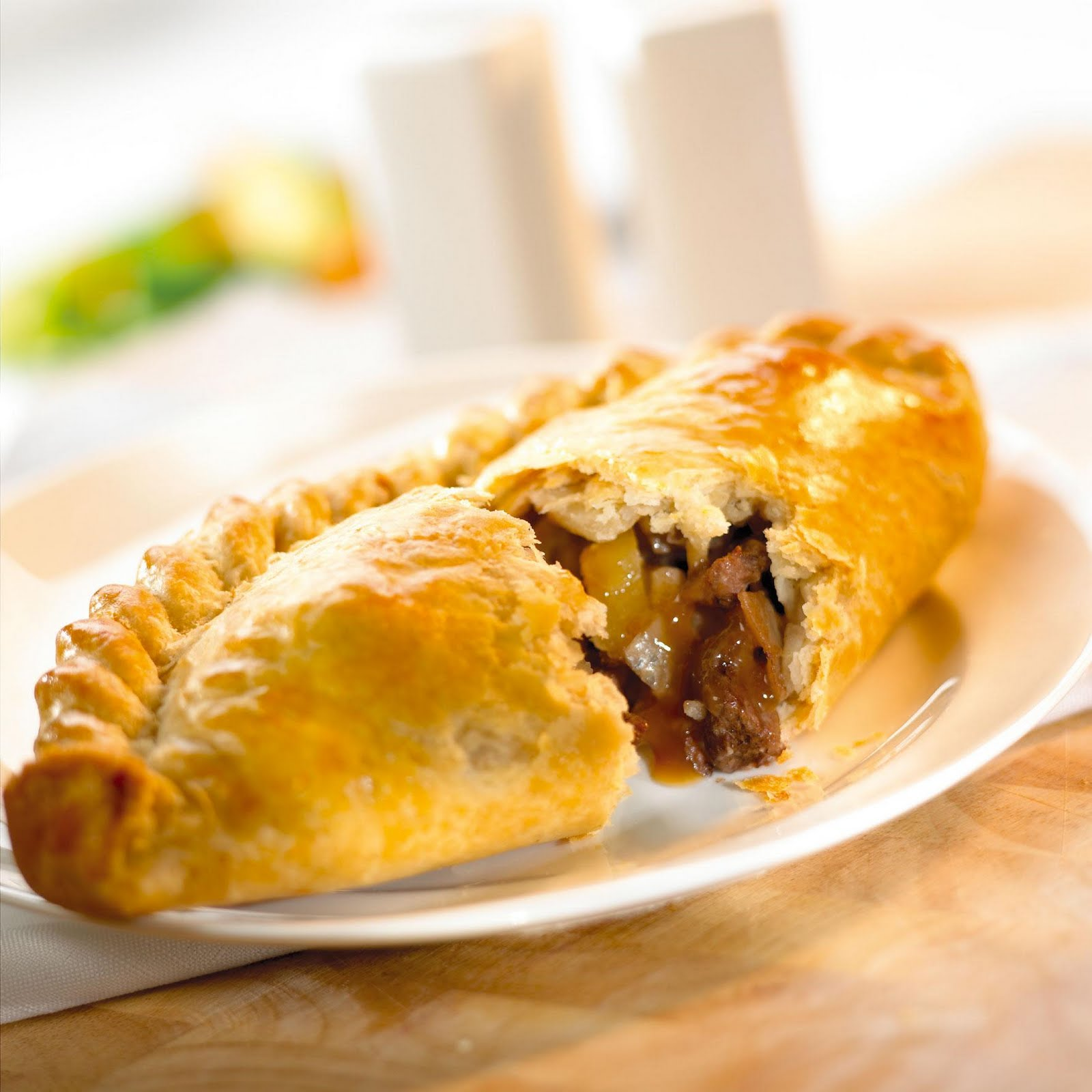 "... ' low-down on the ""repulgue"" for empanadas 